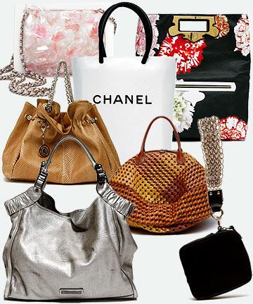 ...бело-розовая сумка на длинной цепочке и сумка-пакет Chanel, сумка с...